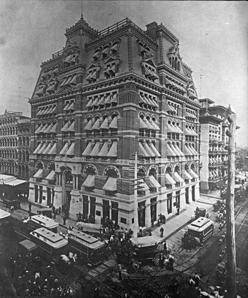 Baltimore and Ohio Railroad Building Northwest corner of Baltimore Street and Calvert Street, Baltimore, Maryland ca. 1890 Unidentified photographer 5x7 inch glass negative of print Baltimore City Life Museum Collection Maryland Historical Society CC980