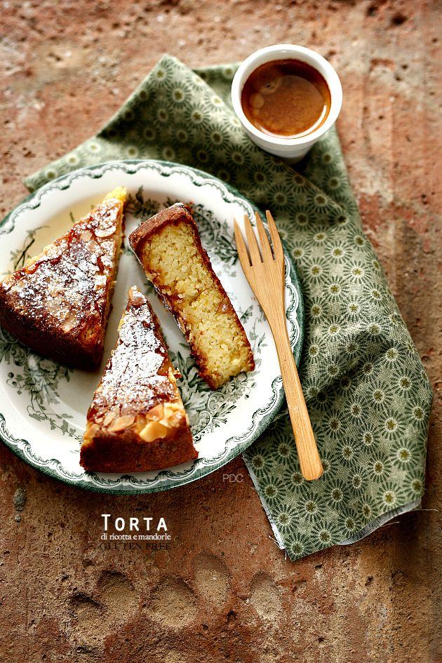 Torta di mandorle e ricotta senza glutine - Almond Cake   PANEDOLCEALCIOCCOLATO