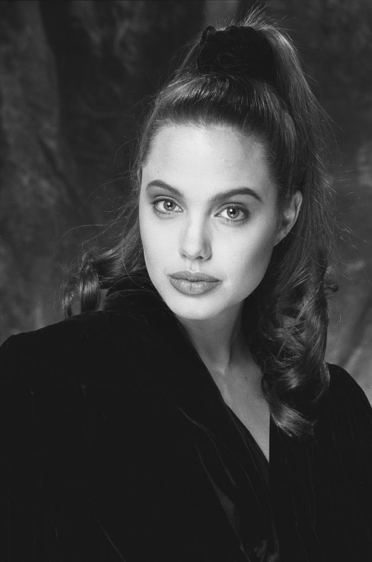 Angelina Jolie by Robert Kim, photo session as a teenager
