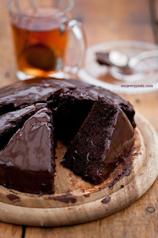Ciasto czekoladowe dla alergika (zastąpić mąkę pszenną mąką migdałową, dodać pulpę pomarańczową i roztopioną czekoladę)