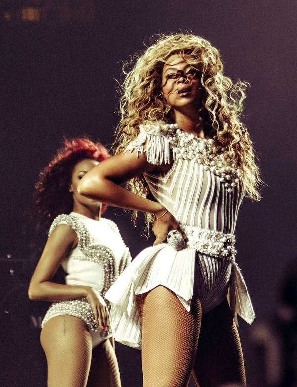 One of my fav Beyoncé stage outfits