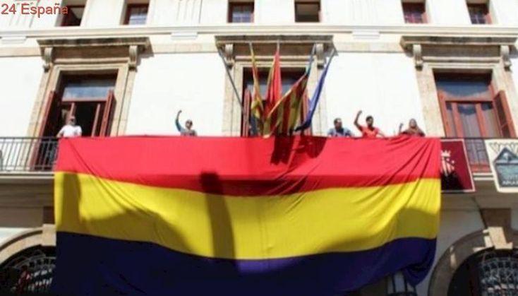 Condenan a un ayuntamiento por exhibir la bandera republicana