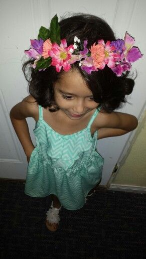 Flower crowns #toddlerfashion #fashionkids #girlygirl #chevrondress #chevron #aqua