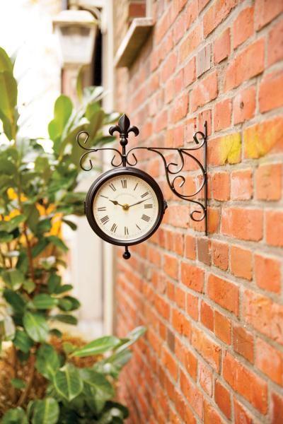 Két oldalú fali óra és hőmérő, -50 és +50 fok között mér.