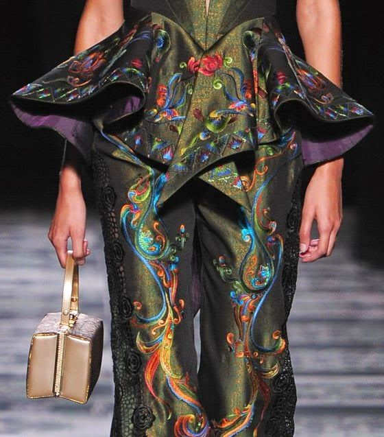 patternprints journal: PRINTS, PATTERNS AND TEXTILE SURFACES FROM HAUTE COUTURE CATWALKS (WOMENSWEAR S/S 2015) / 3