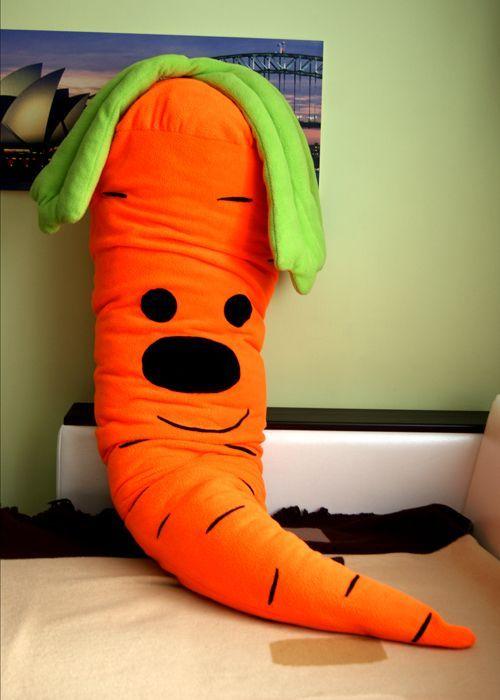 Размер морковки - 180 см. Чехол можно стирать.