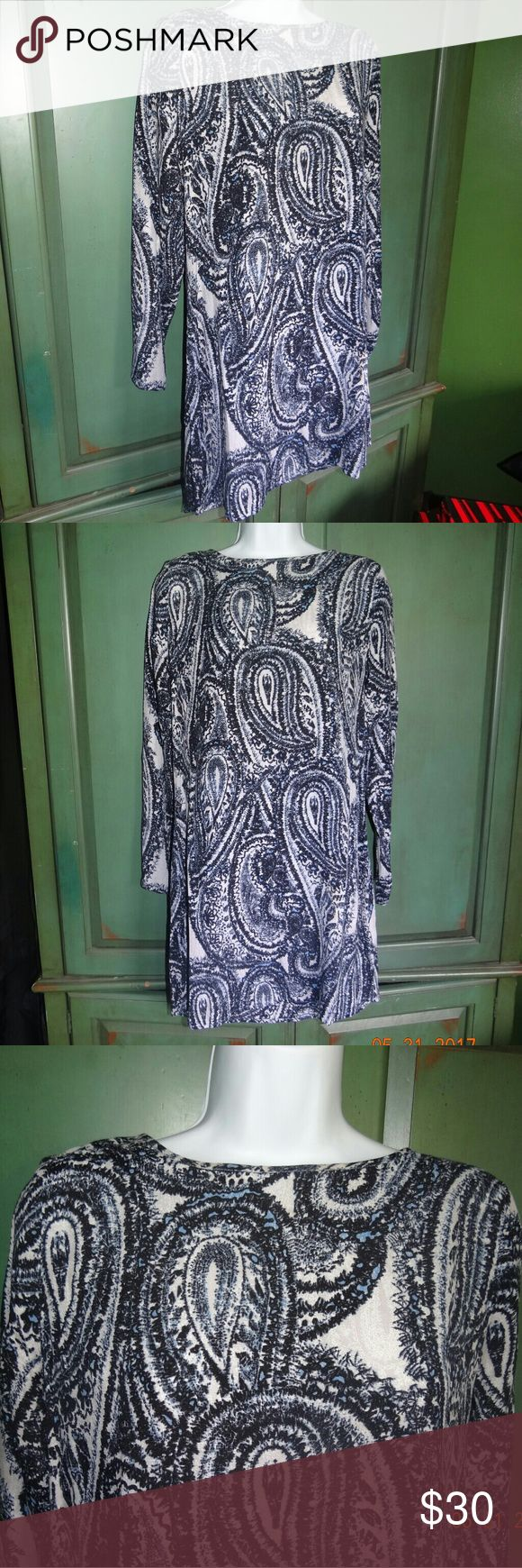 Charlie Jade Blue Paisley Dress This item is used but still in good condition. Charlie Jade from Nordstroms blue paisley dress in woman's size small. It has a keyhole back detail. Very flowy and comfy.  Beautiful pattern. Charlie Jade Dresses