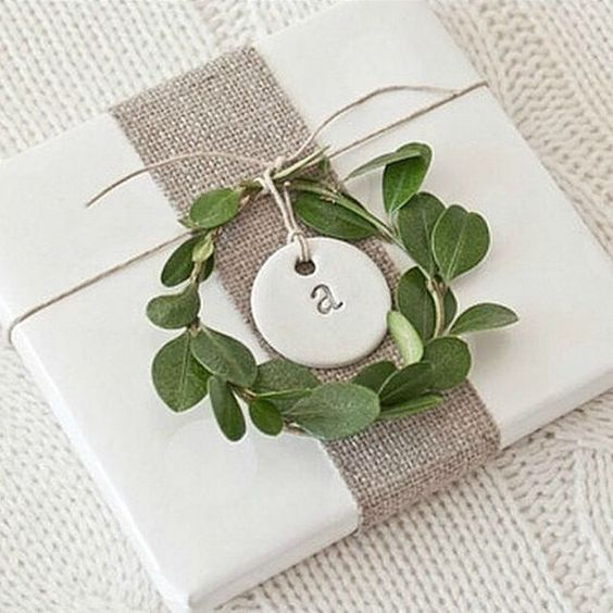 Simple DIY Christmas Gift Tag Ideas