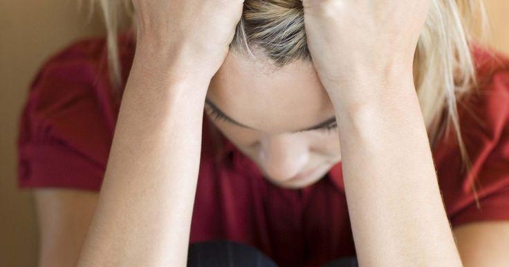 Cómo analizarte para saber si eres bipolar. El desorden bipolar, que solía ser llamado enfermedad maníaco-depresiva, se caracteriza por cambios de humor recurrentes de manía o depresión. La frecuencia y longitud de los episodios, la edad en que empiezan y la severidad de los cambios de ánimo varían. El hecho constante es que el desorden bipolar es una enfermedad severa, compleja y de por ...