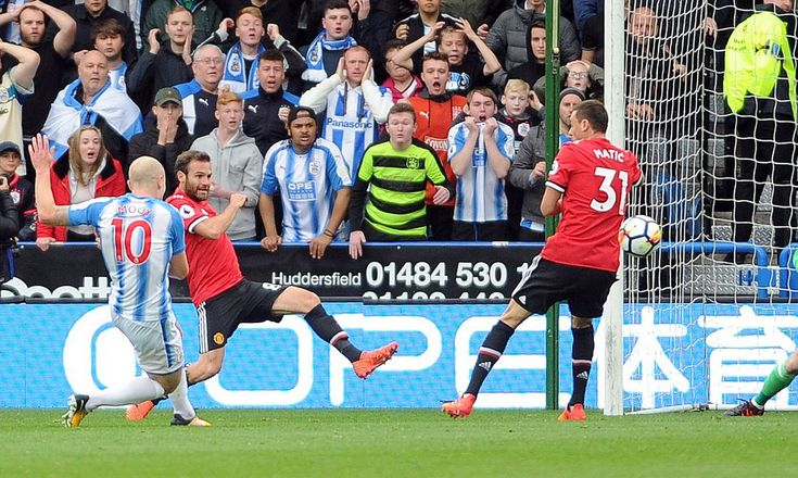 Huddersfield Town 2 Manchester United 1: Aaron Mooy Gets the first goal.