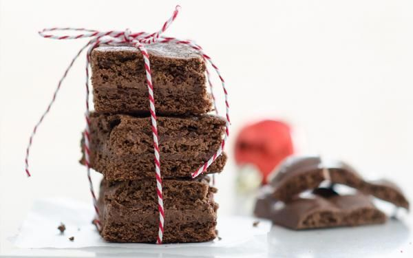 The AERO milk chocolate inside these delicious brownies gives it the effect of having the icing on the inside.