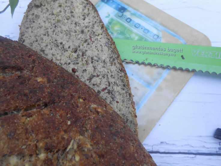 Cukkinis gluténmentes bagett - élelmi rostban gazdag Mai reggeli péksüteményünk egy gluténmentes bagett. Rosttartalmát útifű maghéjjal és reszelt cukkinivel emeltük.