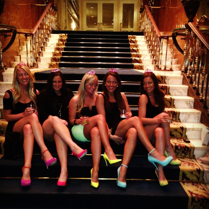 Neon Bachelorette Party. Perfect idea to stand out in Vegas!