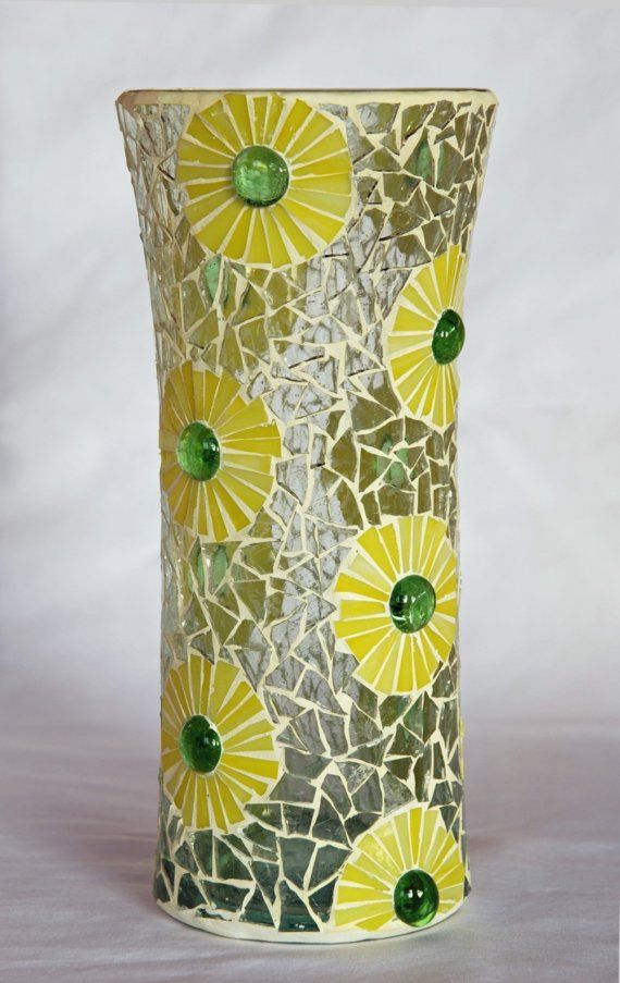 Yellow daisies - Mosaic vase / Margaritas amarillas - Jarron de mosaico trencadis