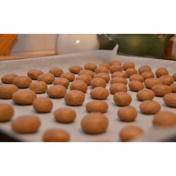 Heerlijke kruidnoten. Dit recept is zo goed als suikervrij, geschikt voor de suikerbewuste fase van de Sugarchallenge.