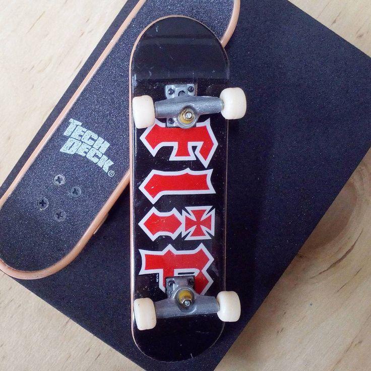 BRAND  FLIP SKATER  TEAM SERIES  STANDARD SERIES PRODUCT  96MM SINGLE PACKS * ไม่มีลายที่ล้อ *  #techdeck  #fingerboardthailand #toysthailand #toythailand #techdeckthailand #sk8 #thailandfingerboard #skateboardthailand #thailandskateboard #สเก็ต #skate #miniskate