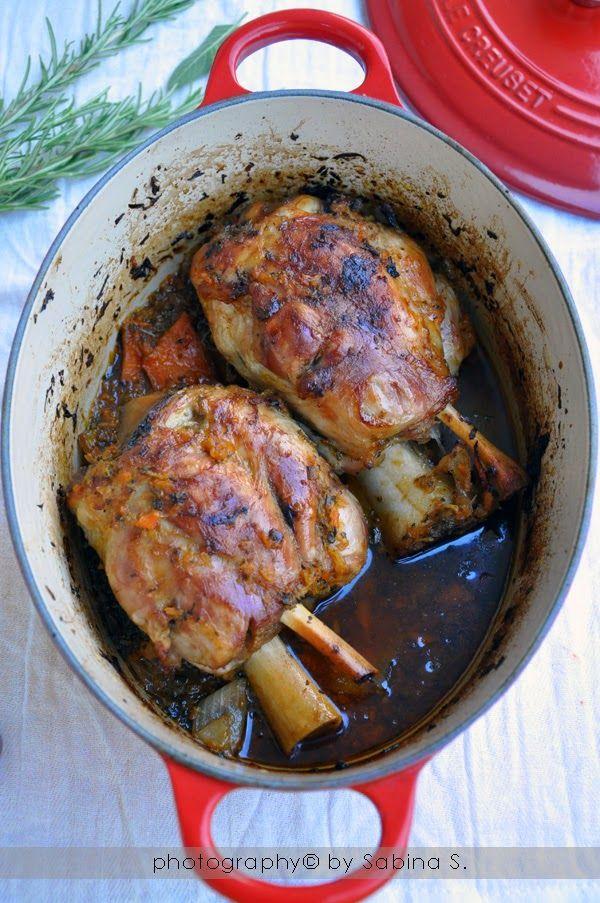 """Due bionde in cucina: """"Schweinhaxe"""" stinchi di maiale al forno"""