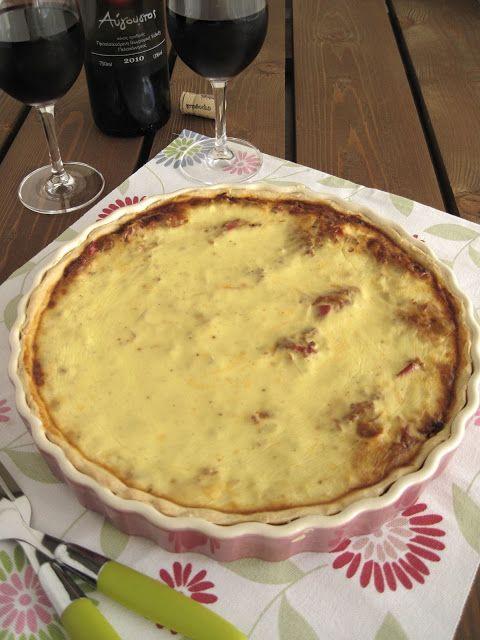 Τάρτα με κιμά, γραβιέρα και μπεσαμέλ γιαουρτιού - The one with all the tastes