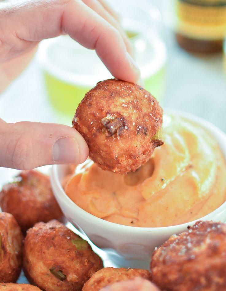 Homemade Tater Tots with Spicy Mayo | www.cookingandbeer.com | @jalanesulia #gamedayfood #footballfood