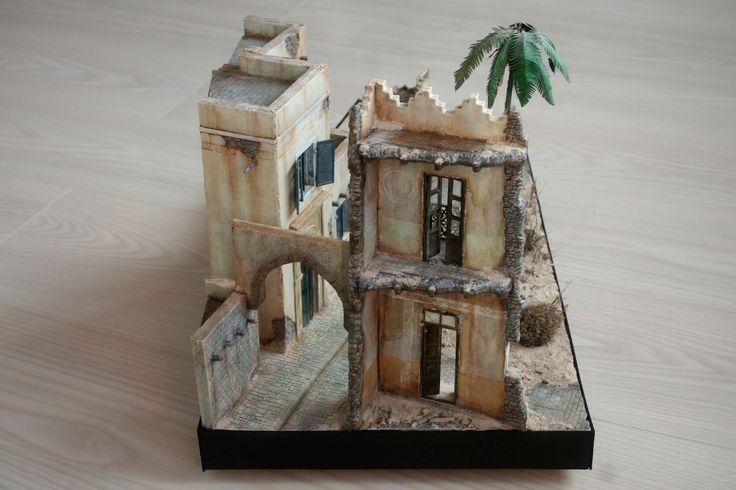 Encargo de la realización de un diorama de la marca Miniart Middle East escala 1/35.   Se ha ampliado y añadido nuevas partes.   Medidas 50...