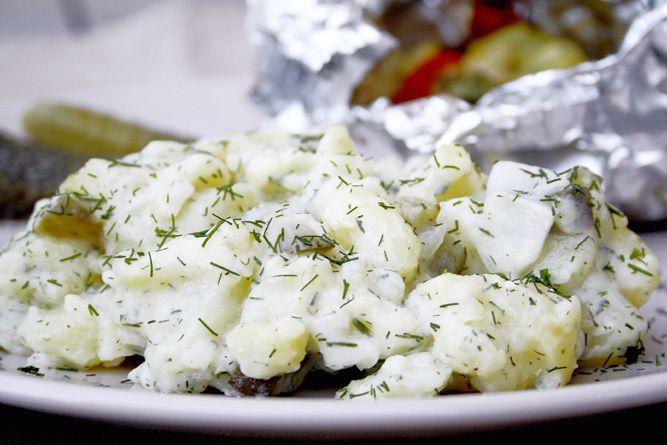 Kartoffelsalat mit Dill und Äpfeln