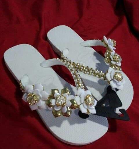 Zapatillas bordadas de  Clauvi_mt@hotmail.com