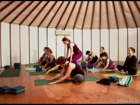 Complete Anusara Yoga class with Marie Lumholtz.  A moderately-paced Level I class. Very good cuing for alignment. Those who are working on handstand will appreciate the instruction and practice for kicking up against the wall.