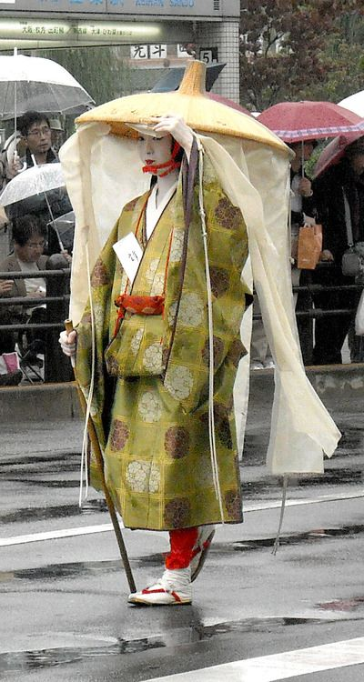 """""""Fujiwara Tamie. She's showing what a noble woman would wear while traveling.She represents Fujiwara Tamie, the author of Izayo Nikki in the 1200s. Fujiwara Tamie was played by the geiko Umeha from Kamishichiken."""" Photography and text by fuyou-hime on Flickr. Jidai Matsuri, Kyoto, Japan. October 22, 2008"""