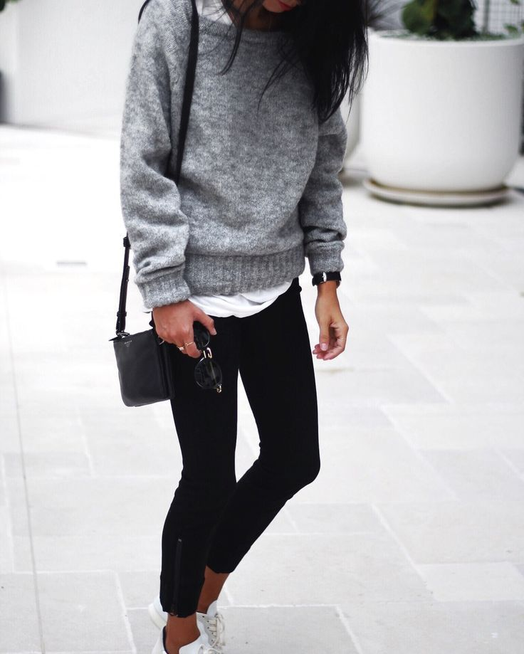 cool Grey Knit by http://www.redfashiontrends.us/street-style-fashion/grey-knit/