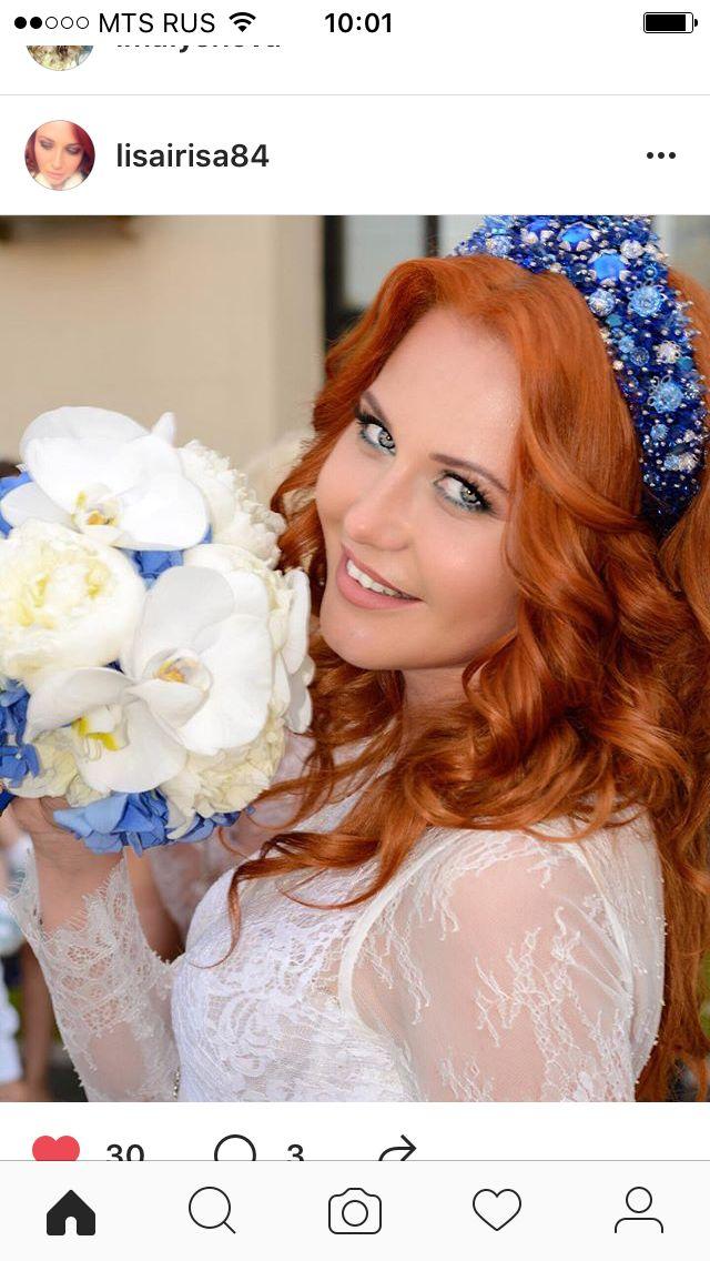 Бело-синий букет невесты из пионов, орхидей и гортензии