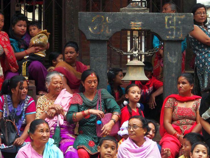 Asteptând-o pe Kumari. #Kumari #LivingGoddess #KumariDevi #Kathmandu #Nepal
