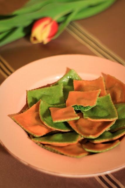 color spinach ravioli