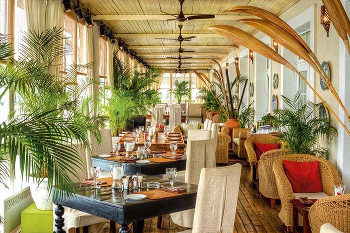 Яхт-клуб и ресторан Shore House