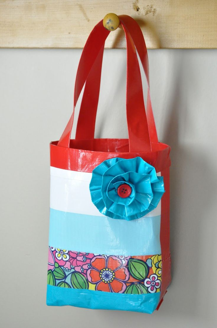 Duck Tape Bag or Purse Tutorial from Little Birdie Secrets (girls camp craft) Cute, cute, cute.  would love to make this with my granddaughter.  I hope she is still into duct tape.