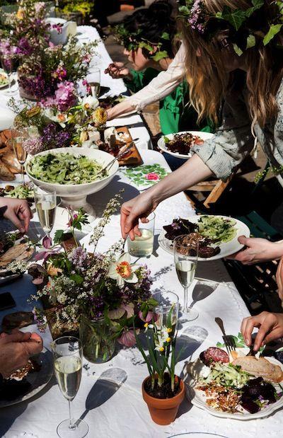 summer table.