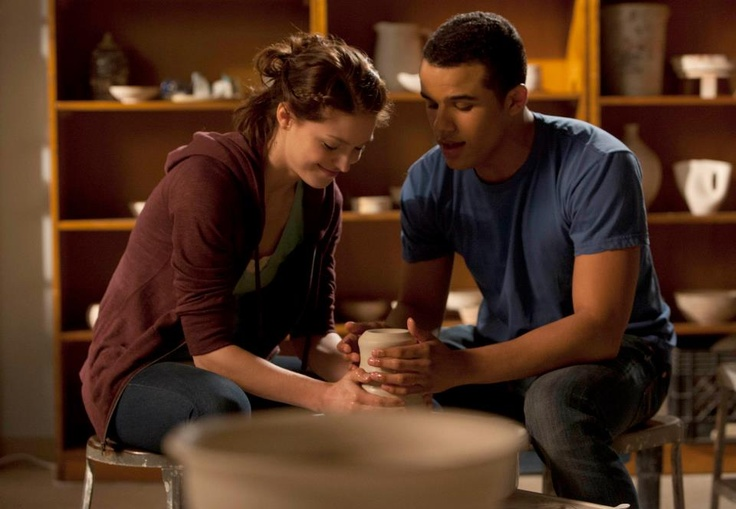Glee | 4×15: Girls (and Boys) On Film