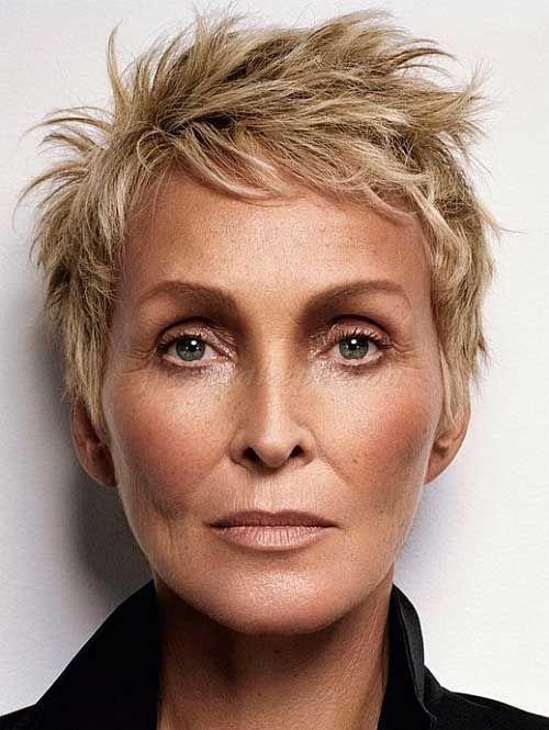 8.Short capelli per le donne Over 60