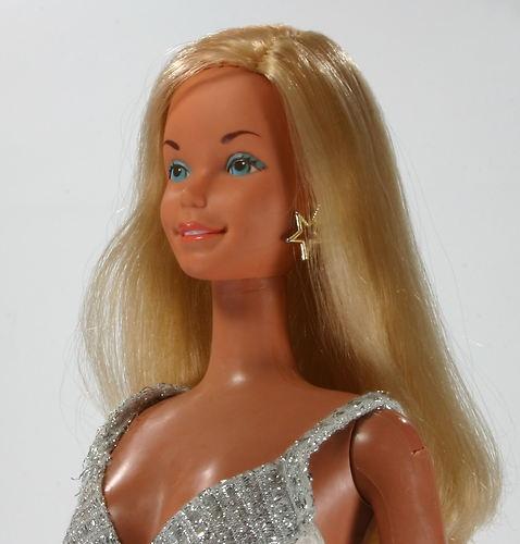Mattel 1976 Supersize 18 Inch Barbie Doll In Original 3
