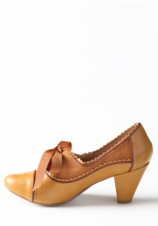 Madison Oxford Pumps By Chelsea Crew | Modern Vintage Shoes