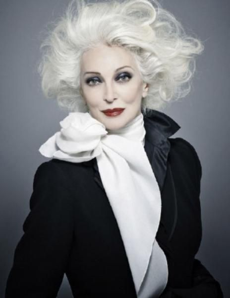 Born in 1933 ... Carmen Dell'Orefice so beautiful. She is still modeling at 8o years old. #Heartoffashion #TexasLegacyFoundationAward