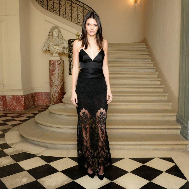Kendall Jenner and Gigi Hadid at cfda/vogue Fashion Fund American