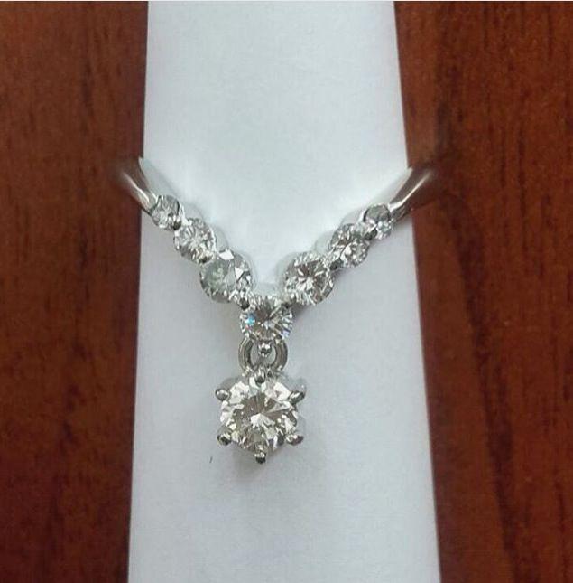 Sorprende a tu ser querido¡! Anillo en platino con diamantes. Más información: 3105585283