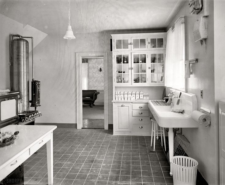 Delightful Laurelhurst Craftsman Bungalow: Period Kitchen Photographs  Love The Little  Canisters!