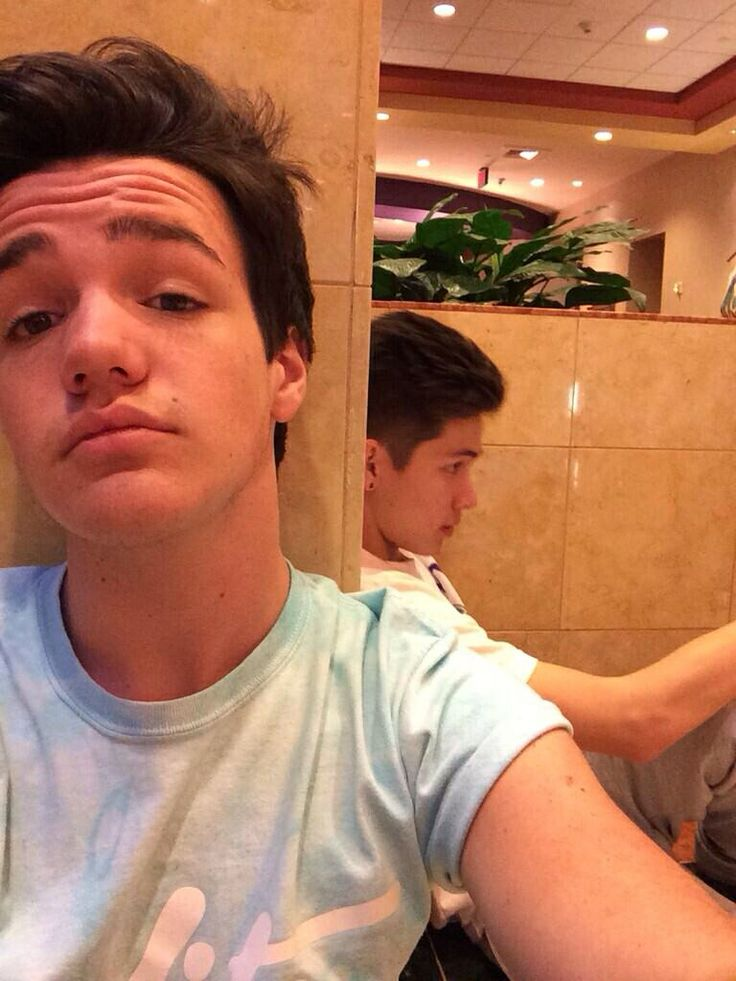 Hayes Grier New Haircut August 2014 2018 Images Pictures Hayes