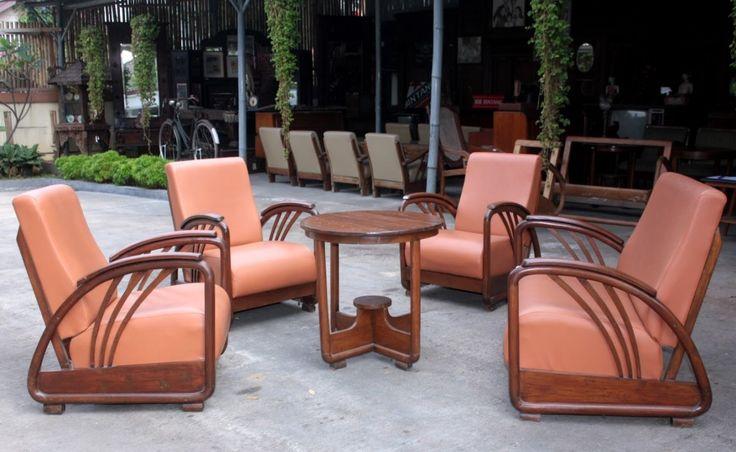 Kursi Tamu Minimalis Antik dengan desain kursi tamu mewah dan elegan dengan cat warna Natural sangat cocok untuk mengisi perabotan ruang tamu anda agar terkesan sempurna di ruang tamu Anda. Sepesifikasi Produk Kursi Tamu Minimalis Antik Sebagai Berikut: Nama Produk : Kursi Tamu Minimalis Antik Material : Kayu Jati Finising : Natural KONTAK KAMI: Bapak. Khafidz Uddin. A - Jepara Telp/Sms: 0823-2465-4628 (Telkomsel) WA: 0857-2799-9738 (Indosat) Pin BB: 7FB9A149