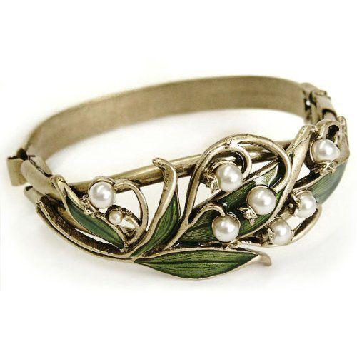 So beautiful!  Wish I could wear costume jewelry!  Sweet Romance Lily of the Valley Bracelet Sweet Romance,http://www.amazon.com/dp/B009V21ST0/ref=cm_sw_r_pi_dp_xpZ6sb1D8XVE0284