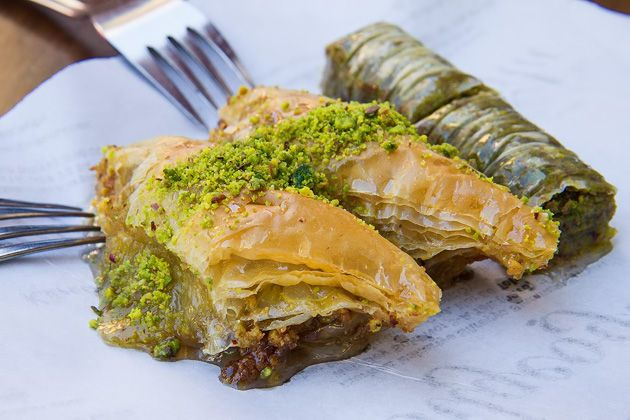 Turkish Sweet Tooth: Baklava, Lokum and Dondurma on http://istanbul.for91days.com