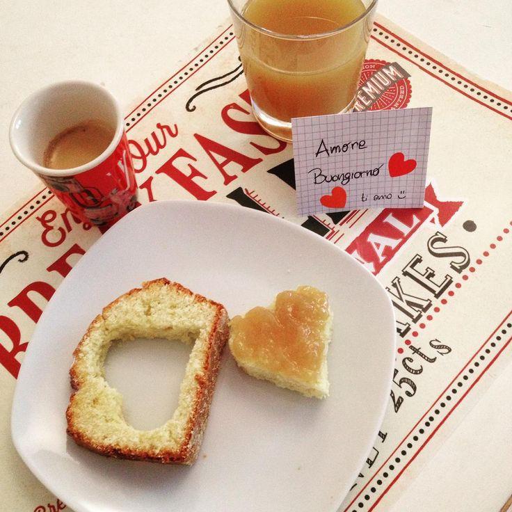 colazione. Plumcake. #plumcake #coffee #cookies #biscuits #biscotti #caffè #colazione #buongiorno #breakfast #merenda #italianfood #food #dolci #cake #goodmorning #misspetitefraise #ricetta #foodblogger #italy #foodporn