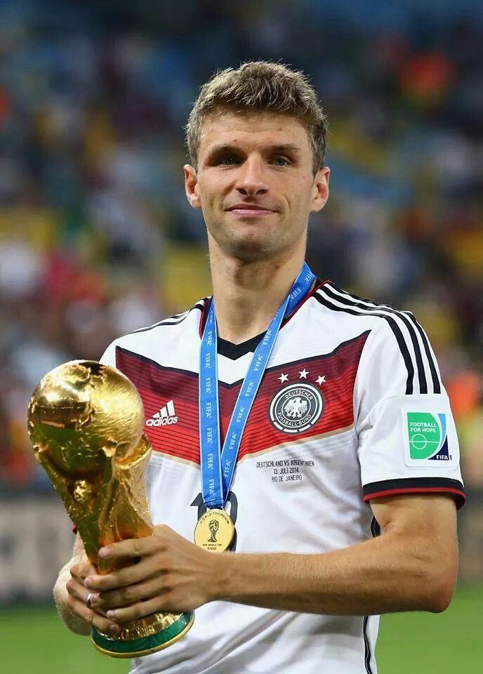 Thomas Müller, Weltmeister 2014 - Auf zur #EURO2016 - http://www.marco-reus-trikot.de/thomas-muller-deutschland-trikot/