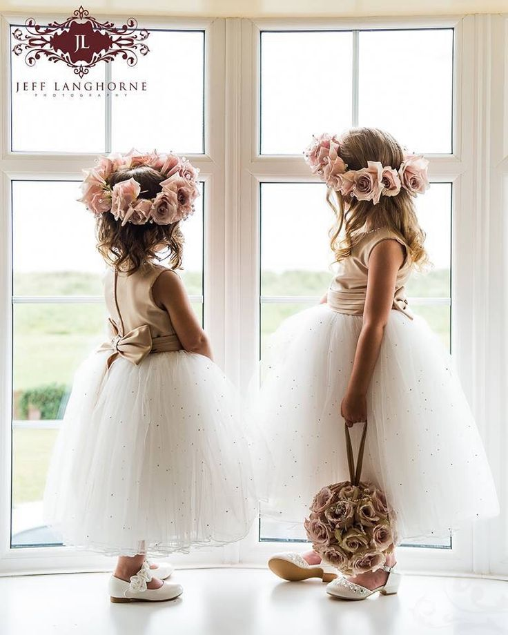 niñas del cortejo de la novia